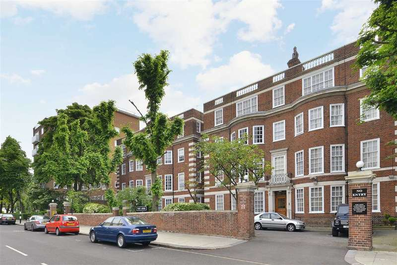 3 Bedrooms Flat for sale in Park Lodge, London, NW8