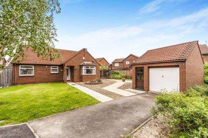 2 Bedrooms Bungalow for sale in Melford Grove, Ingleby Barwick, Stockton-On-Tees, .