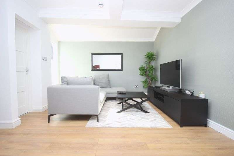 2 Bedrooms Flat for sale in High Street, Harrow on the Hill, HA1