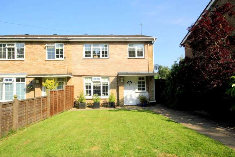 3 Bedrooms Semi Detached House for sale in Dudley Close, Bovingdon