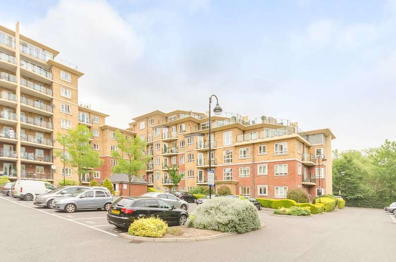 2 Bedrooms Flat for sale in Glebelands Close, Finchley, N12