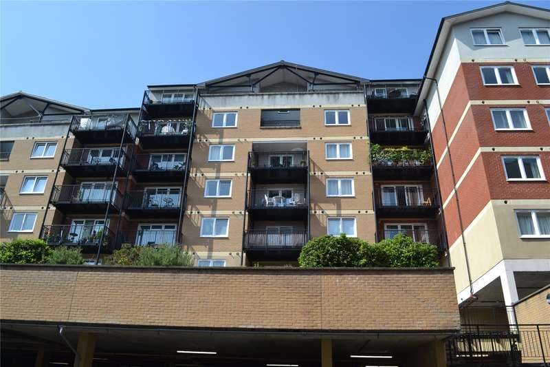 2 Bedrooms Flat for sale in Penn Place, Northway, Rickmansworth, WD3