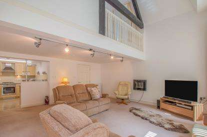 1 Bedroom Flat for sale in Whitaker House Apartments, Charlotte Close, Halifax, West Yorkshire
