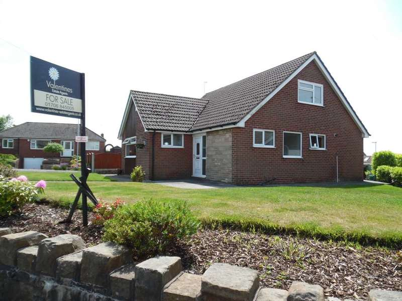 4 Bedrooms Detached House for sale in The Orchards, High Crompton