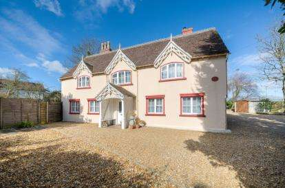 House for sale in Goldington Road, Bedford, Bedfordshire