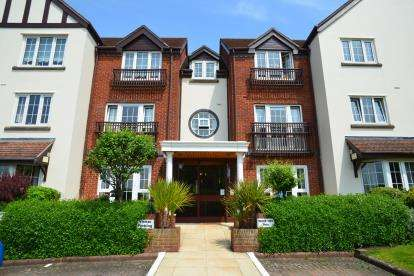1 Bedroom Flat for sale in Pegasus Court, Station Road, Broadway, Worcestershire
