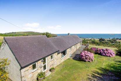 6 Bedrooms Detached House for sale in Mynytho, Gwynedd, LL53
