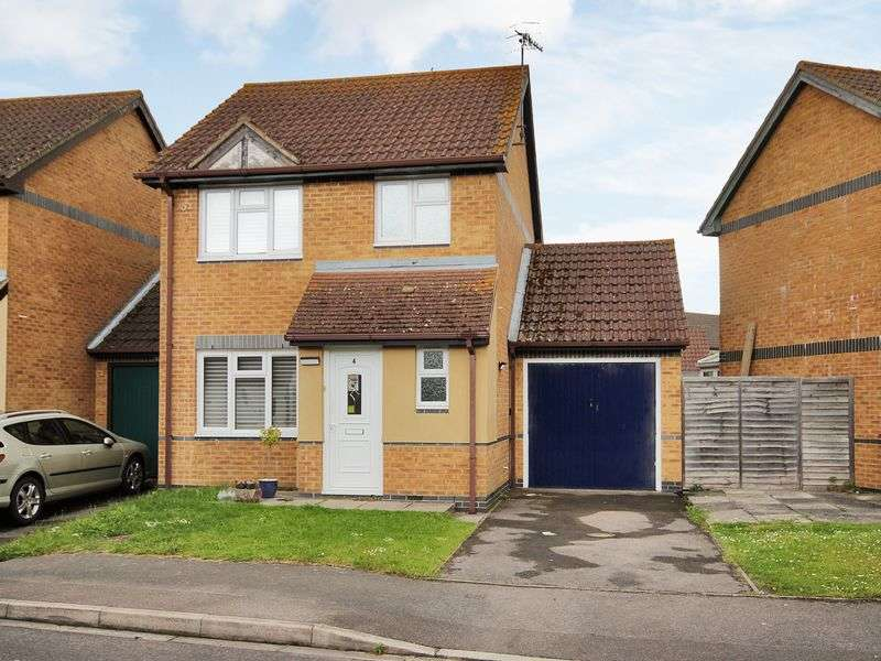 3 Bedrooms House for sale in Drake Road, Horley, Surrey