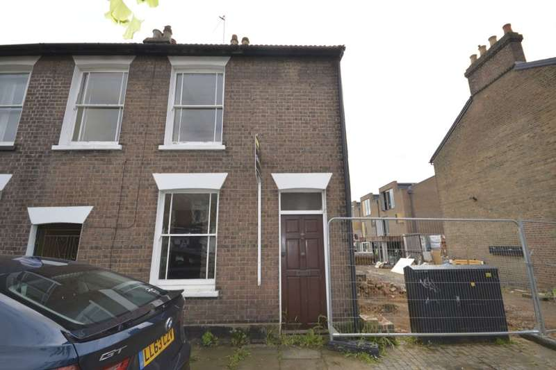 3 Bedrooms Property for sale in Victoria Street, St. Albans, AL1