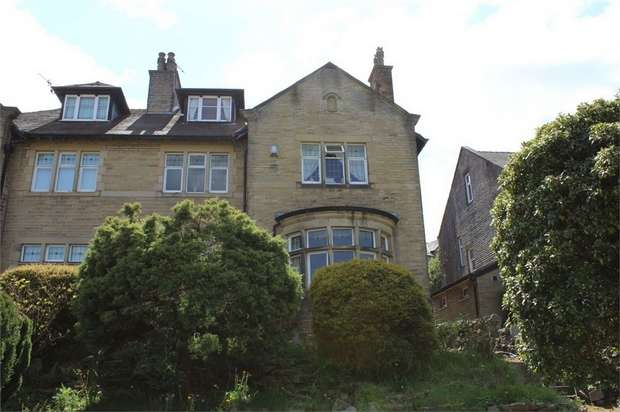 5 Bedrooms Semi Detached House for sale in Skipton Road, Keighley, West Yorkshire