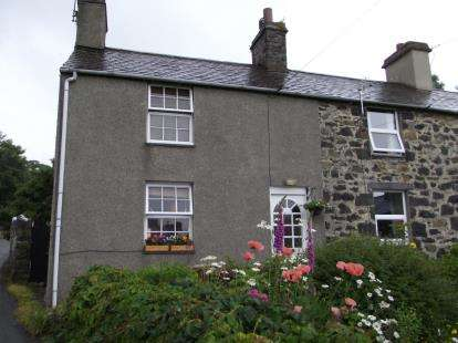 2 Bedrooms End Of Terrace House for sale in Menai Terrace, Mill Road, Llanfairfechan, Conwy, LL33