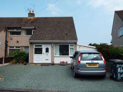 3 Bedrooms Semi Detached House for sale in Russell Avenue, Colwyn Bay, Conwy, LL29