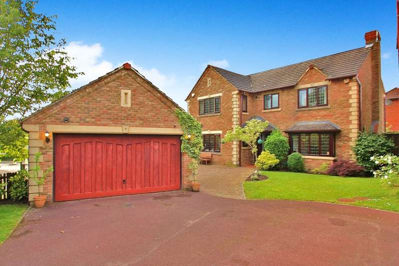 4 Bedrooms Detached House for sale in Percheron Drive, Knaphill, Woking, Surrey, GU21