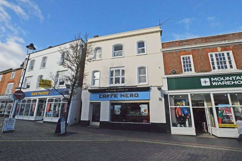 2 Bedrooms Flat for sale in High Street, Alton