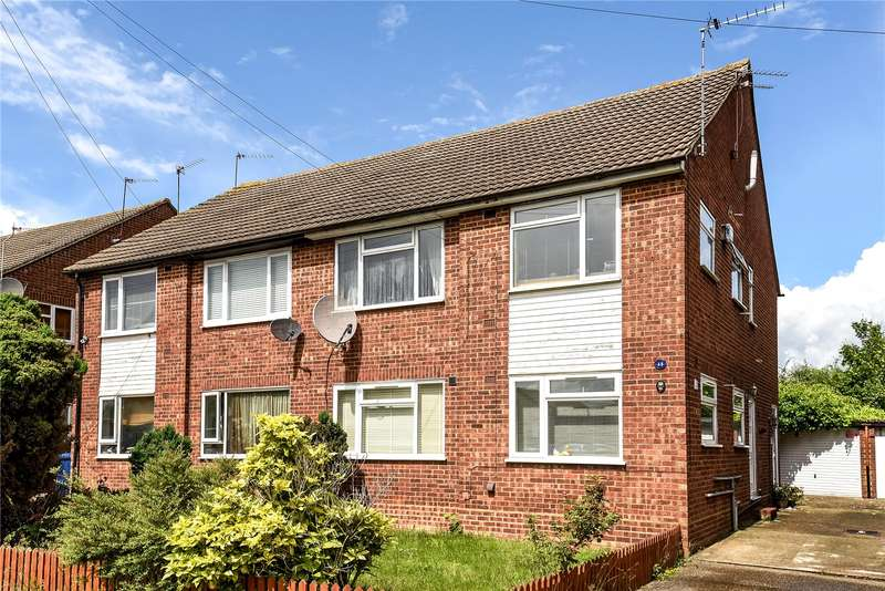 2 Bedrooms Maisonette Flat for sale in Garden Close, Northolt, Middlesex, UB5