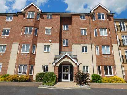 2 Bedrooms Flat for sale in 140 London Road, Romford