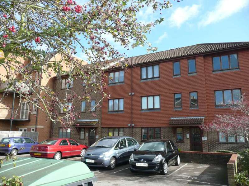 1 Bedroom Apartment Flat for sale in Wentworth House, Addlestone