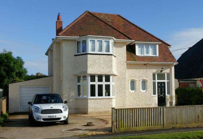 3 Bedrooms Detached House for sale in Marley Avenue, NEW MILTON, BH25