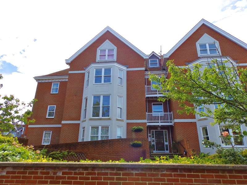 2 Bedrooms Apartment Flat for sale in Badgers Court, St Johns Road, Eastbourne