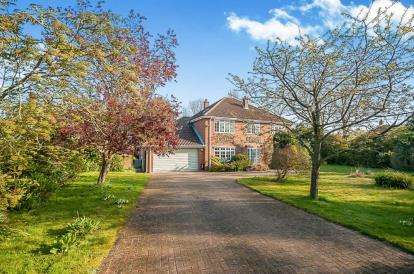 5 Bedrooms Detached House for sale in Low Road, Well, Alford, Well