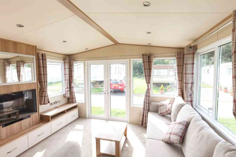 2 Bedrooms Caravan Mobile Home for sale in Clacton On Sea, Essex