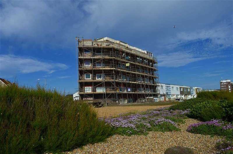 3 Bedrooms Property for sale in The Viking, Seaford, East Sussex