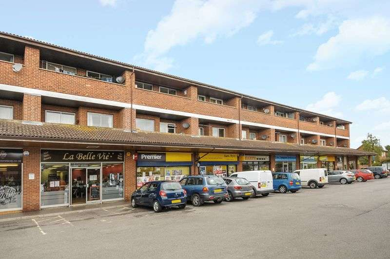 2 Bedrooms Flat for sale in Savile Way, Grove.