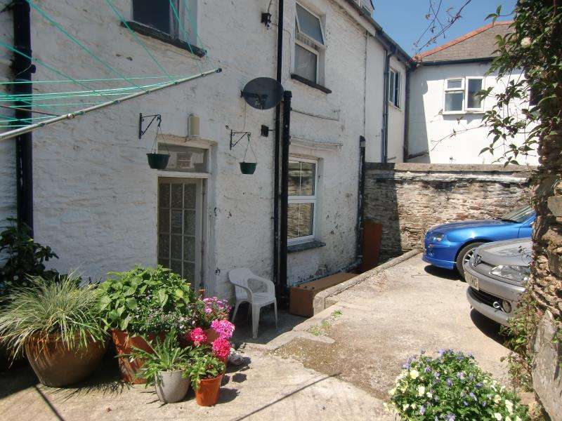 1 Bedroom Flat for sale in St Thomas Road, Launceston, Cornwall