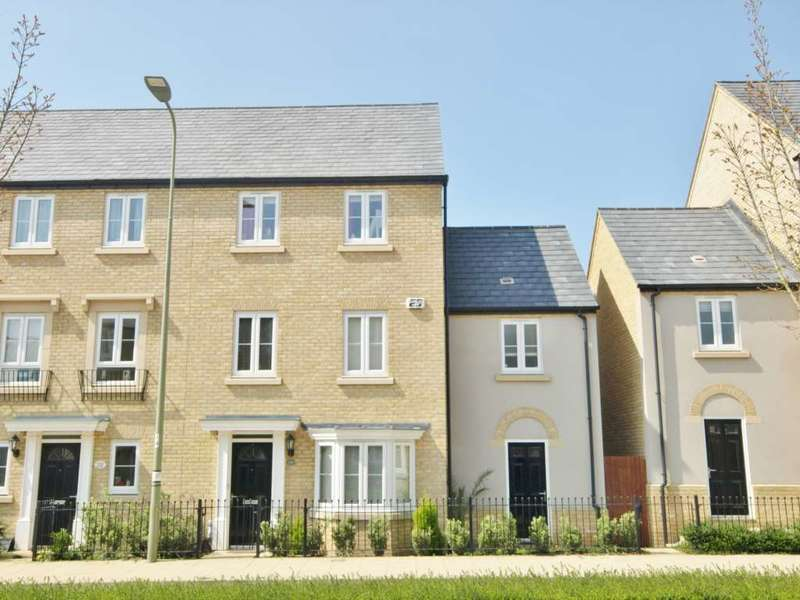 4 Bedrooms Town House for sale in Whitelands Way, Kingsmere