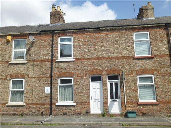 2 Bedrooms Terraced House for sale in Dudley Street, The Groves, York