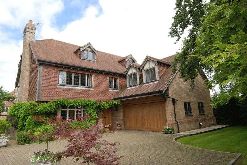 5 Bedrooms Detached House for sale in Knockholt Road, Sevenoaks