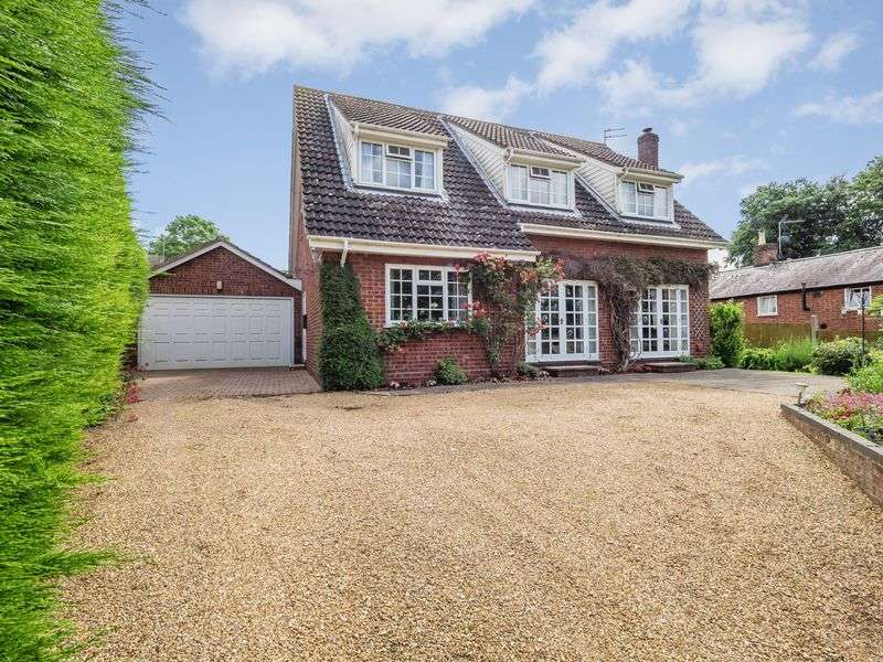 3 Bedrooms Detached Bungalow for sale in Hellesdon Mill Lane, Lower Hellesdon, Norwich