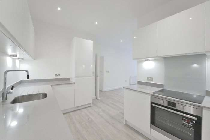 2 Bedrooms Flat for sale in Richard Trees Way, London, London, E3