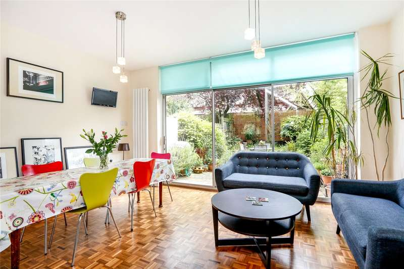 4 Bedrooms Terraced House for sale in Lantern Close, London, SW15