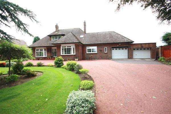 4 Bedrooms Detached House for sale in Alloway, Ayr