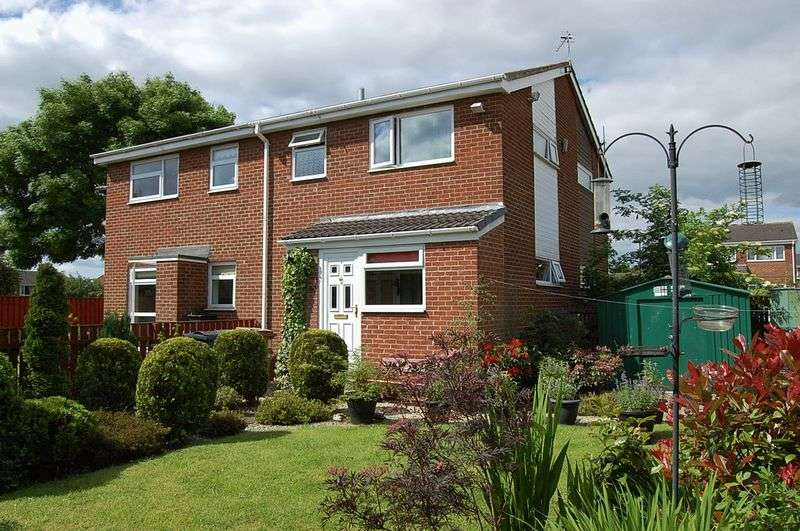 1 Bedroom Semi Detached House for sale in ** LARGE GARDENS ** Worsley Close, Wallsend