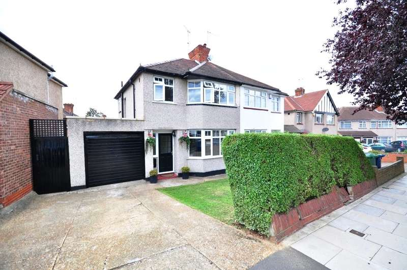 3 Bedrooms Semi Detached House for sale in Chatsworth Gardens, Harrow, Middlesex, HA2