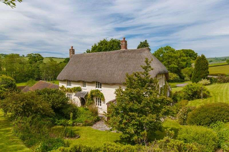 4 Bedrooms Detached House for sale in Shobrooke Mill, Shobrooke