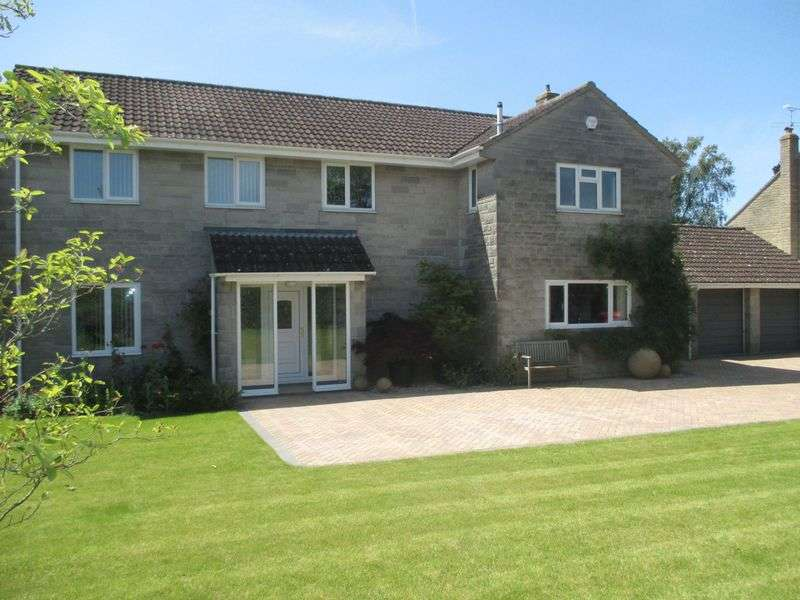 4 Bedrooms Detached House for sale in Camel Street, Yeovil