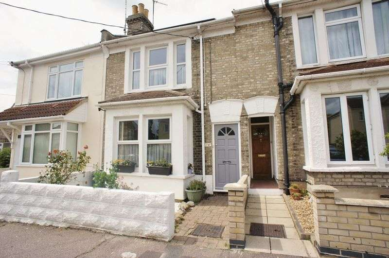 3 Bedrooms Terraced House for sale in Seaview Road, Brightlingsea