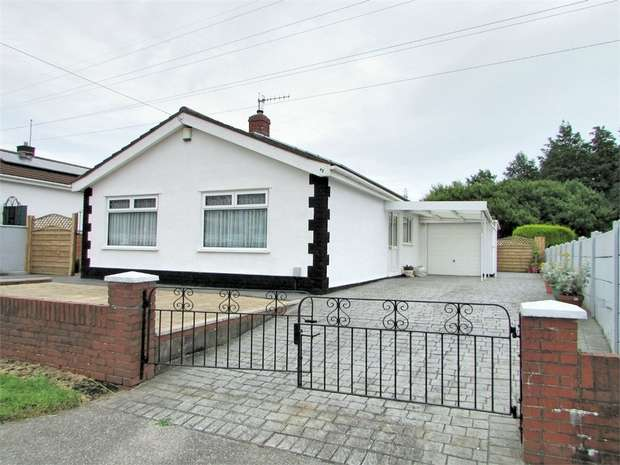 3 Bedrooms Detached Bungalow for sale in Trallwn Road, Llansamlet, Swansea, West Glamorgan