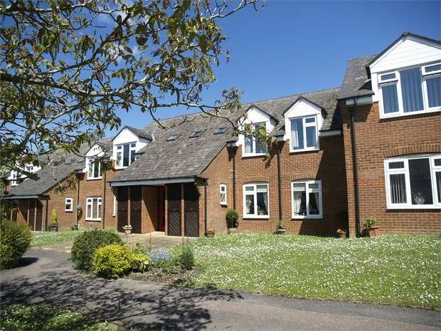 2 Bedrooms Retirement Property for sale in Henbit Close, Tadworth