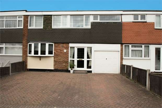 4 Bedrooms Terraced House for sale in Brewster Close, CANVEY ISLAND, Essex