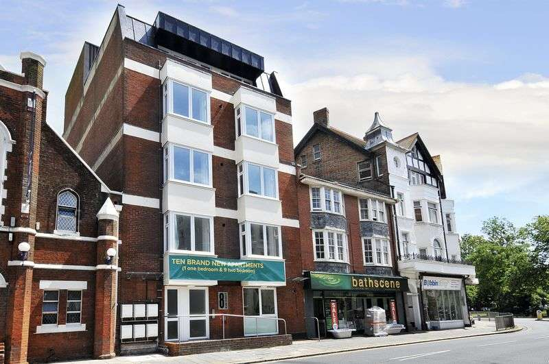 2 Bedrooms Flat for sale in High Street, Worthing
