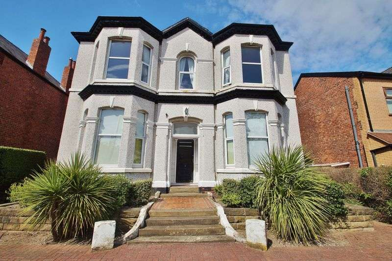 2 Bedrooms Flat for sale in Sussex Road, Southport