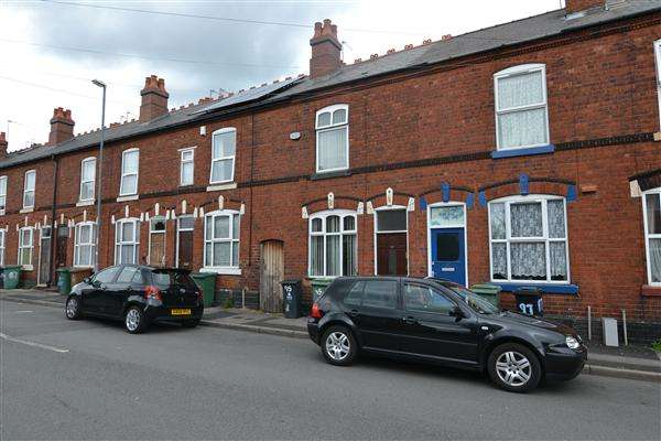 3 Bedrooms Terraced House for sale in Cobden Street, Palfrey, Walsall