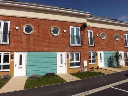 3 Bedrooms Semi Detached House for sale in Ashton Bank Way, Ashton-On-Ribble, Preston, Lancashire, PR2
