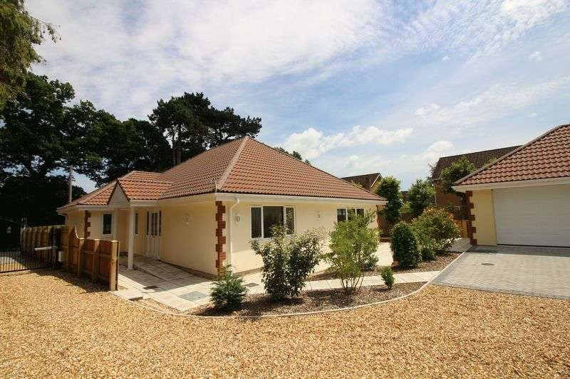 4 Bedrooms Detached Bungalow for sale in Farlers End, Nailsea