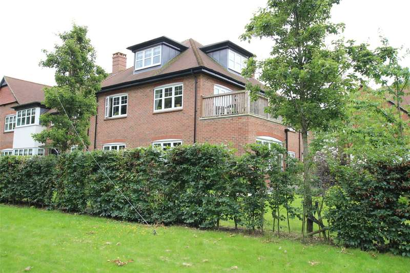 4 Bedrooms Flat for sale in King Harry Lane, St. Albans, Hertfordshire, AL3