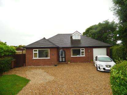 4 Bedrooms Detached House for sale in Main Road, Broughton, Chester, Flintshire, CH4